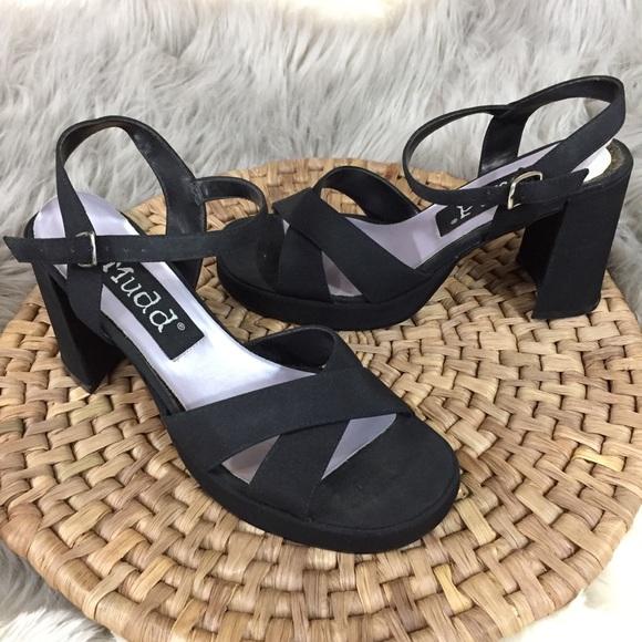0c04332f267 Vintage size 8 90 s grunge spice girls MUDD heels.  M 5c70ea492e147800daa9ce55
